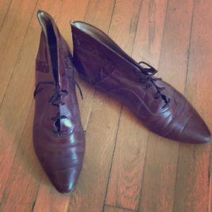 Vintage lace-up brown booties/brogues